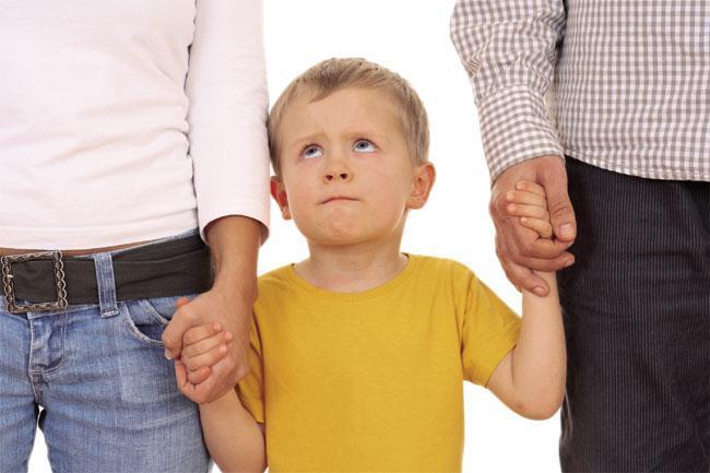 Matrimonio poligamico: chi decide sui figli?